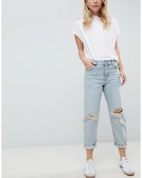 hellblaue Boyfriend Jeans mit Destroyed-Effekten von ASOS DESIGN