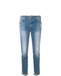 hellblaue enge Jeans mit Destroyed-Effekten von Diesel