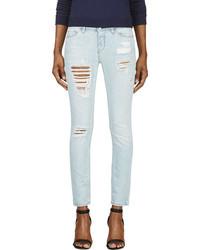 hellblaue enge Jeans mit Destroyed-Effekten von IRO