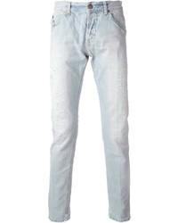 hellblaue enge Jeans