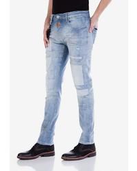 hellblaue Jeans mit Destroyed-Effekten von Cipo & Baxx