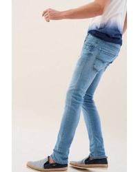hellblaue Jeans mit Destroyed-Effekten von SALSA