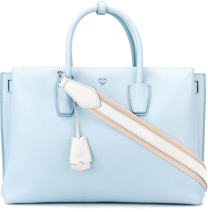 hellblaue Shopper Tasche aus Leder von MCM