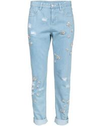 hellblaue verzierte Jeans