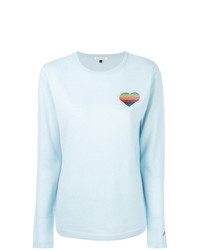 hellblauer Pullover mit einem Rundhalsausschnitt