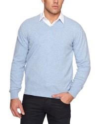 hellblauer Pullover mit einem V-Ausschnitt von Alan Paine