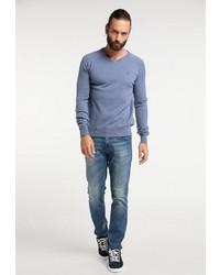 hellblauer Pullover mit einem V-Ausschnitt von Dreimaster