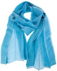 hellblauer Schal von Issey Miyake