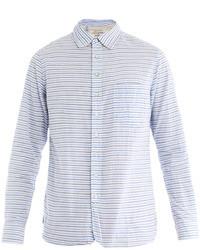 hellblaues horizontal gestreiftes Langarmhemd