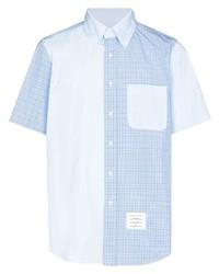 hellblaues Kurzarmhemd mit Karomuster von Thom Browne