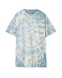 hellblaues T-Shirt mit einem Rundhalsausschnitt mit Batikmuster