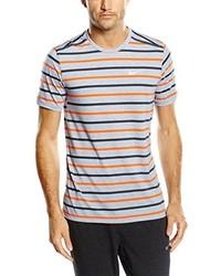 hellblaues T-Shirt mit einem Rundhalsausschnitt von Nike