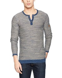 hellblaues T-shirt mit einer Knopfleiste von camel active