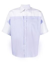 hellblaues vertikal gestreiftes Kurzarmhemd von Maison Margiela