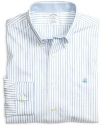 hellblaues vertikal gestreiftes Langarmhemd