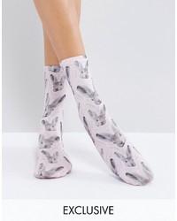 hellviolette bedruckte Socken von Monki