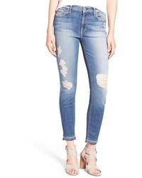 hellviolette enge Jeans