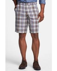 hellviolette Shorts mit Schottenmuster