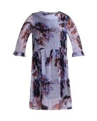 hellviolettes gerade geschnittenes Kleid von MOVES