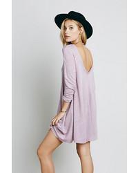 hellviolettes schwingendes Kleid
