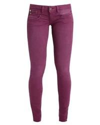 lila enge Jeans