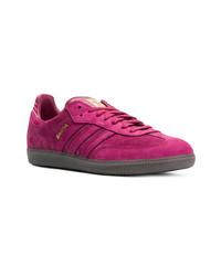 lila niedrige Sneakers von adidas
