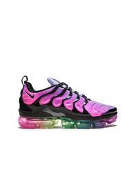 lila Sportschuhe von Nike