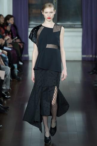 Kombinieren Sie ein schwarzes ärmelloses oberteil mit einer schwarzen netzstrumpfhose für damen von Asos, um mühelos alles zu meistern, was auch immer der Tag bringen mag. Machen Sie Ihr Outfit mit schwarzen leder pumps eleganter.
