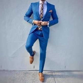 Beige Krawatte mit Schottenmuster kombinieren – 23 Herren Outfits: Vereinigen Sie einen blauen Anzug mit einer beige Krawatte mit Schottenmuster für einen stilvollen, eleganten Look. Wenn Sie nicht durch und durch formal auftreten möchten, wählen Sie beige Doppelmonks aus Leder.