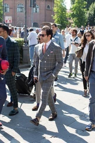Dunkelbraune Doppelmonks aus Leder kombinieren: trends 2020: Kombinieren Sie einen grauen Anzug mit Karomuster mit einem weißen Businesshemd, um vor Klasse und Perfektion zu strotzen. Dunkelbraune Doppelmonks aus Leder sind eine großartige Wahl, um dieses Outfit zu vervollständigen.