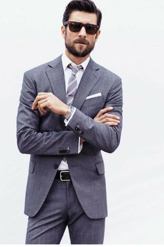 Wie kombinieren: grauer Anzug, weißes Businesshemd, graue vertikal gestreifte Krawatte, weißes Einstecktuch