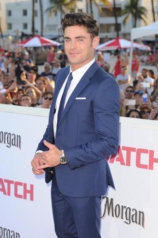 Zac Efron Trägt Blauer Anzug Weißes Businesshemd Blaue Krawatte