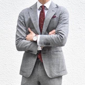 Wie kombinieren: grauer Anzug mit Schottenmuster, weißes Businesshemd, dunkelrote Krawatte mit Paisley-Muster, dunkelrotes Einstecktuch
