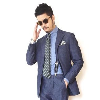Wie kombinieren: dunkelblauer Anzug, blaues Chambray Businesshemd, olivgrüne horizontal gestreifte Krawatte, olivgrünes bedrucktes Einstecktuch
