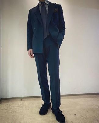 Weißes und dunkelblaues vertikal gestreiftes Businesshemd kombinieren – 500+ Herren Outfits: Paaren Sie ein weißes und dunkelblaues vertikal gestreiftes Businesshemd mit einem dunkeltürkisen Anzug, um vor Klasse und Perfektion zu strotzen. Vervollständigen Sie Ihr Look mit schwarzen Monks aus Wildleder.