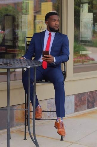 Blauer Anzug Hellblaues Businesshemd Beige Leder Oxford Schuhe