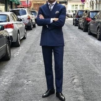 Dunkelblauen Anzug kombinieren – 1200+ Herren Outfits: Kombinieren Sie einen dunkelblauen Anzug mit einem weißen Businesshemd für eine klassischen und verfeinerte Silhouette. Dunkelgrüne Leder Oxford Schuhe sind eine perfekte Wahl, um dieses Outfit zu vervollständigen.