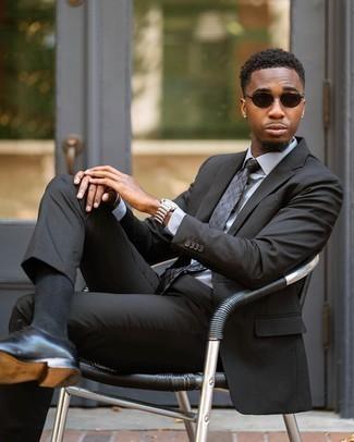 Dunkelgraue Krawatte mit Schottenmuster kombinieren – 51 Herren Outfits: Kombinieren Sie einen dunkelgrauen Anzug mit einer dunkelgrauen Krawatte mit Schottenmuster für einen stilvollen, eleganten Look. Fühlen Sie sich mutig? Vervollständigen Sie Ihr Outfit mit schwarzen Leder Oxford Schuhen.