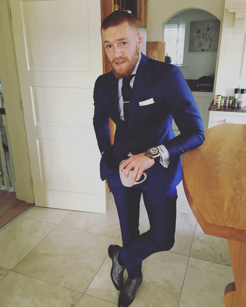 Genial Blaue Schuhe Kombinieren Referenz Von Erwägen Sie Das Tragen Von Einem Blauen