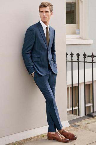 dunkelblauer vertikal gestreifter Anzug, weißes Businesshemd, braune  Doppelmonks aus Leder, olivgrüne Strick Krawatte für Herren   Herrenmode c72bdb3aa8