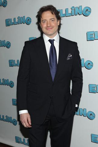Wie kombinieren: dunkelblauer Anzug, weißes Businesshemd, dunkelblaue Seidekrawatte, dunkelblaues gepunktetes Seide Einstecktuch