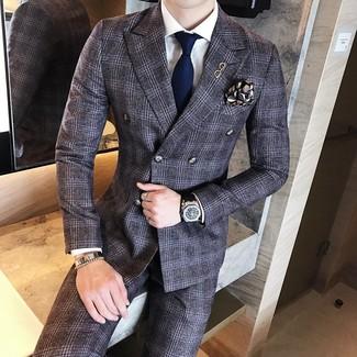 dunkelgrauer Wollanzug mit Schottenmuster, weißes Businesshemd, dunkelblaue Krawatte, schwarzes bedrucktes Einstecktuch für Herren