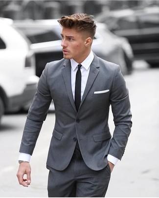 Grauer Anzug Weißes Businesshemd Schwarze Krawatte Weißes
