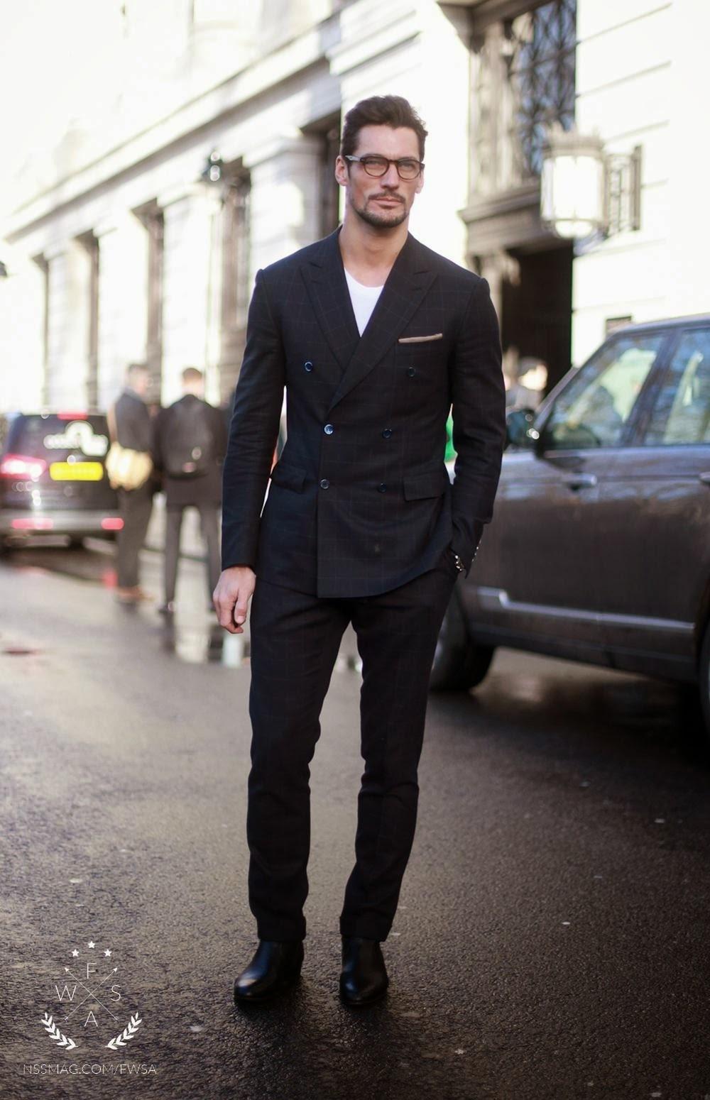 promo code 5cc9b 357e8 David Gandy trägt schwarzer Anzug mit Karomuster, weißes T ...