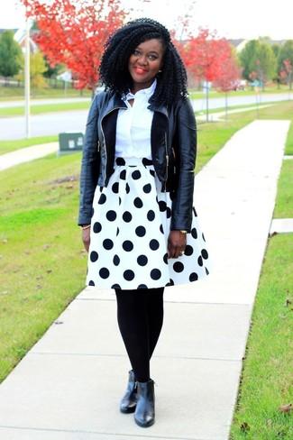 1c0a1fe82755 schwarze Leder Bikerjacke, weißes Businesshemd, weißer und schwarzer ...