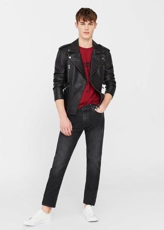 rote jacke weißes shirt schwarze hose