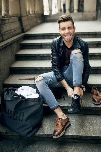Die Vielseitigkeit von einer Schwarzen Leder Bikerjacke und Grauen Enger Jeans mit Destroyed-Effekten machen sie zu einer lohnenswerten Investition. Schalten Sie Ihren Kleidungsbestienmodus an und machen Braunen Leder Brogues zu Ihrer Schuhwerkwahl.