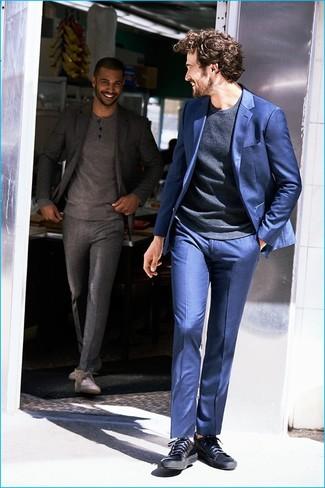 blauer Anzug von Alexander McQueen, €2.440   SSENSE   Lookastic