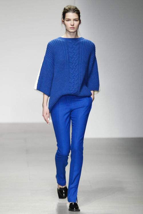 Hose blau kombinieren