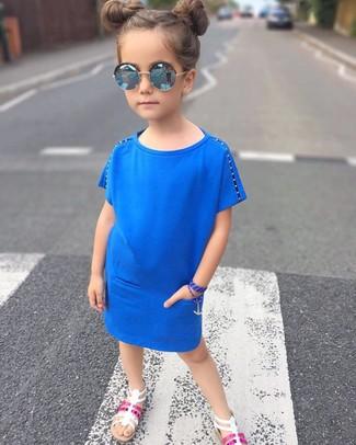 Blaues kleid kind